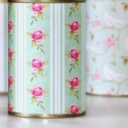 boîte de lait vide décorée